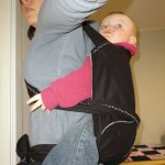 Med barnet på ryggen